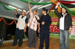 http://buletinonline.net/images/stories/berita46/buletin9.JPG